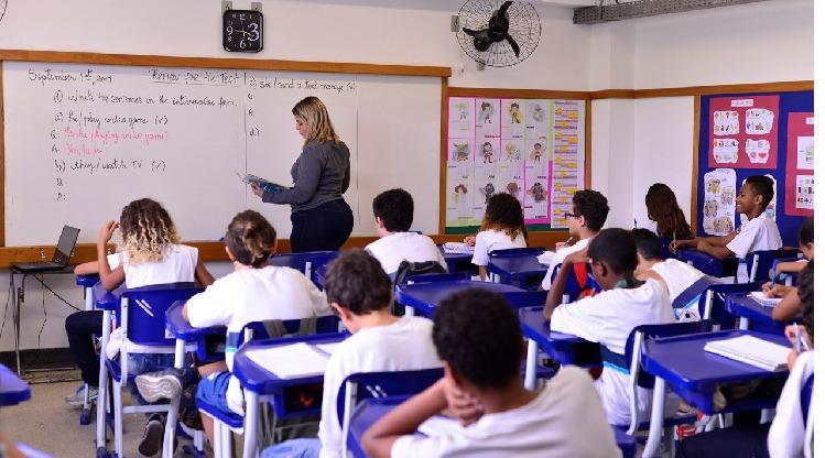 Educadores podem se inscrever para concursos públicos em Paulo de Frontin e Paraty