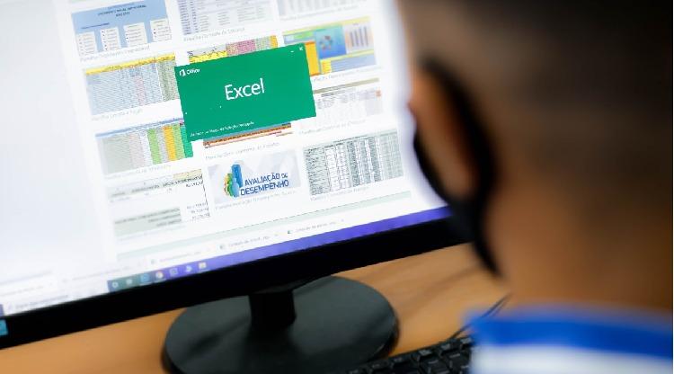 Cursos de Excel avançado e Montagem e Manutenção de Microcomputador são oferecidos em Volta Redonda
